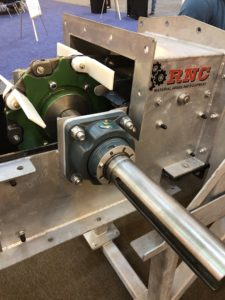 RNC-CO En-Masse conveyor with 4B bolt and go chain installed