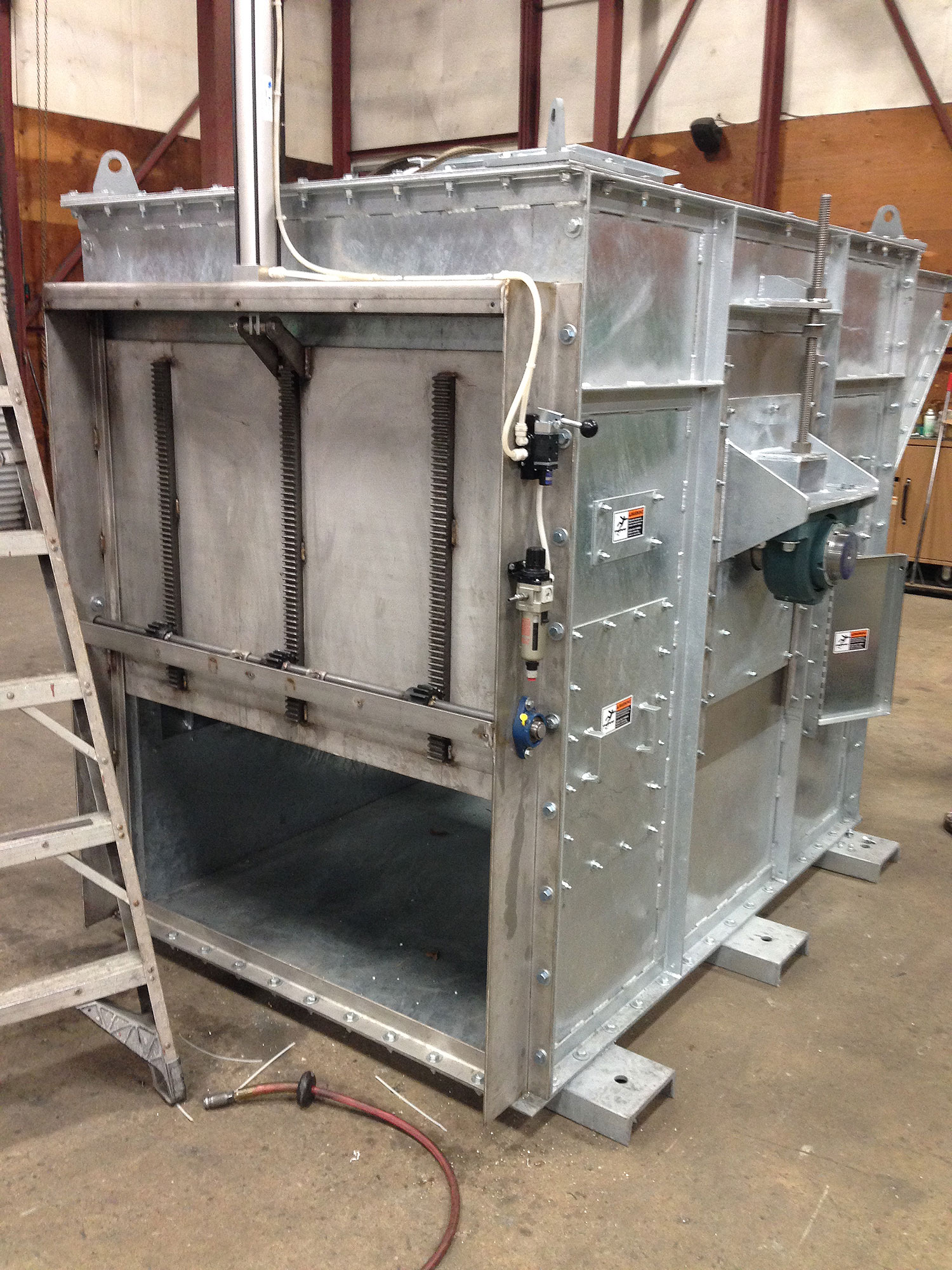 40K BPH HD Boot with SS Pneumatic clean out gate